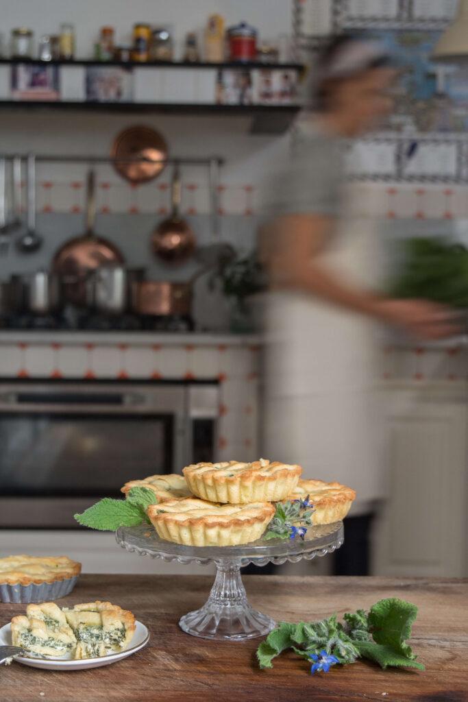 borages tartlets: herbs in a dessert