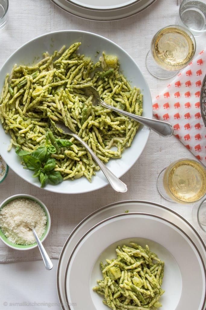 Eattiamo Cinque Terre food basket