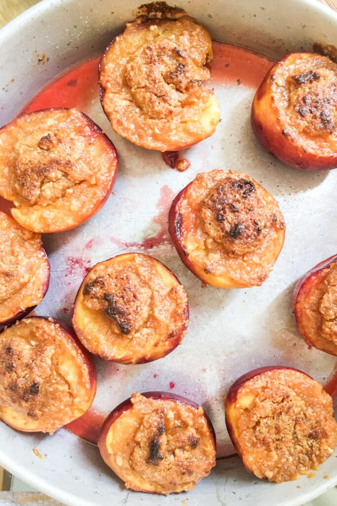 Ligurian baked stuffed peaches